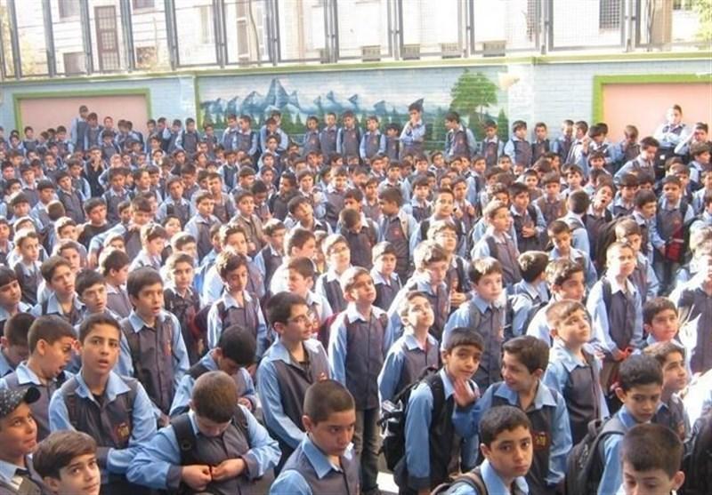 تبلیغ اعطای دو مدرک ایرانی و خارجی توسط مدارس واقعی نیست