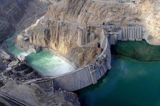 استان تهران در فروردین بی سابقه ترین و کم بارش ترین ماه در طول 53 سال گذشته را شاهد بود، تهران به میزان ظرفیت سد کرج و لتیان کمبود آب دارد